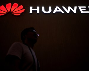 Selv om Google i maj meldte ud, at de suspenderede dele af samarbejdet med Huawei, får kineserne ny software.