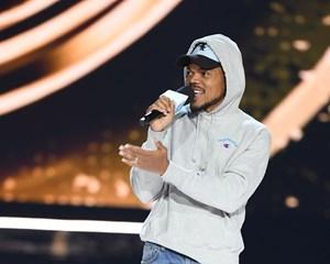 Hiphop-gruppen Wu-Tang Clan erstatter Chance the Rapper, der aflyser koncert på årets Roskilde Festival.