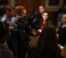 Efter en lang søndags regeringsforhandlinger er der ingen større enighed blandt partierne, der peger på S.