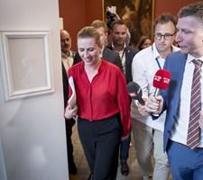 Der er snart gået tre uger siden folketingsvalget, og Mette Frederiksen forsøger fortsat at skaffe et flertal.
