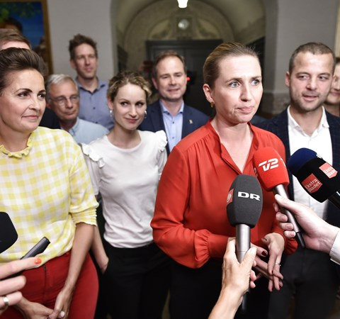 Rød blok er enig om en økonomisk politik, at børnene skal ud af Sjælsmark, og at Lindholm droppes.