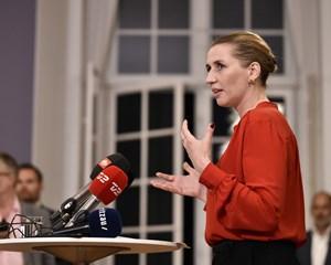 Den nye S-regering vil afskaffe de nationale test og ændre karaktersystemet, siger Mette Frederiksen.