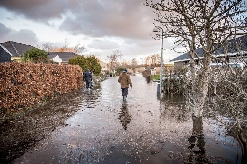Opgaven med at sikre boligområder mod klimaforandringer bør ligge i offentligt regi, mener boligøkonom.