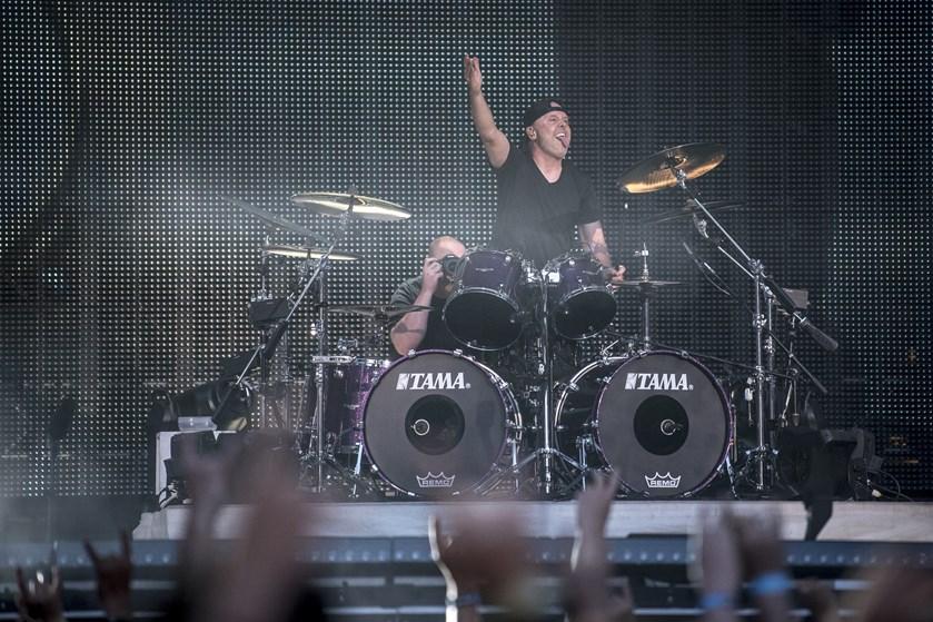 Metallicas koncert i Parken torsdag aften vækker både vild eufori og dyb skuffelse blandt anmelderne.