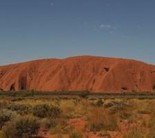 Fra oktober bliver det forbudt at bestige klippe, som det oprindelige folk i Australien betragter som hellig.