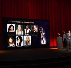 """Tirsdag modtog HBO-serien """"Game of Thrones"""" hele 32 Emmy-nomineringer. Skuespillerne er glade og overraskede."""