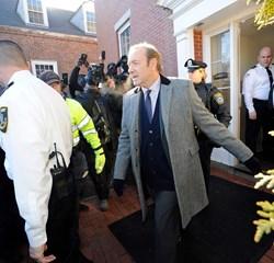 Anklagemyndigheden i den amerikanske delstat Massachusetts dropper sag mod Kevin Spacey om seksuelt overgreb.
