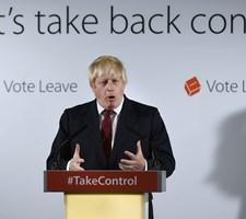 Boris Johnson er favorit til at vinde tirsdagens konservative formandsvalg, men hans kurs skaber intern splid.