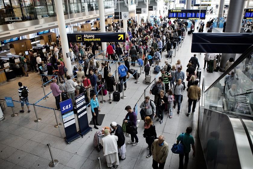 Der har været travlt i Københavns Lufthavn i juli med 14 dage med over 100.000 passagerer dagligt.