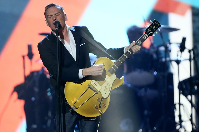 """Den canadiske musiker Bryan Adams besøger næste år København og Horsens på sin """"Shine A Light""""-turné."""