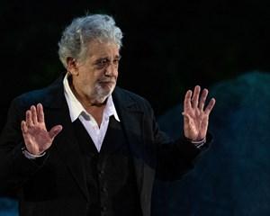 Symfoniorkestret The Philadelphia Orchestra trækker en invitation til Plácido Domingo tilbage.