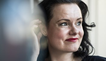 Til december næste år kan forfatter Leonora Christina Skov se sit liv udspille sig på det store lærred.