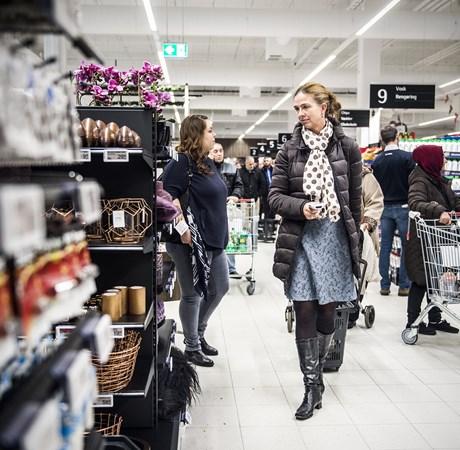 Trods handelskrig og afmatning i verdensøkonomien ser de danske forbrugere mere positivt på økonomien.