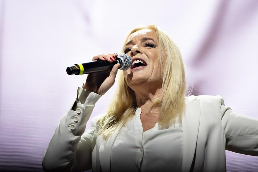 """Den danske sangerinde Anne Linnet udgiver til november en krimi under titlen """"Fucked""""."""