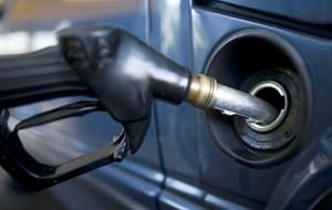 Nye bilers CO2-udledning er steget siden 2017. Forbrugerne er blevet glade for benzinslugende SUV'er.