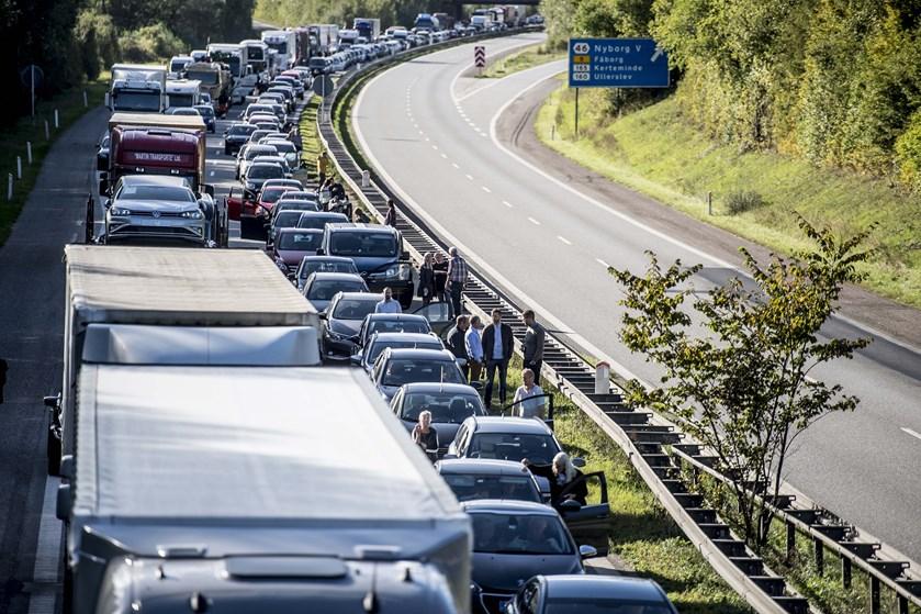 1,3 millioner rejsende kørte over Storebæltsbroen i august, oplyser Sund & Bælt. Det er ny månedsrekord.