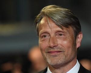 Den danske skuepiller har landet hovedrollen i en ny film af den anerkendte instruktør Alexander Payne.