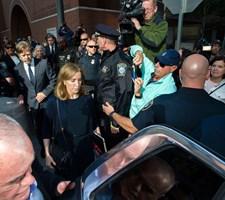 Felicity Huffman skal 14 dage i fængsel for at have bestukket et universitet for at få sin datter ind.