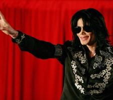 En dokumentar, hvor to mænd beskylder Michael Jackson for seksuelle overgreb, har vundet en Emmy-pris.