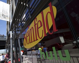 """I Danmark kan """"Seinfeld"""" i dag ses på Viaplay. Fra 2021 får Netflix rettighederne til serien over hele verden."""