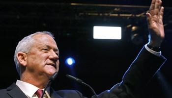Benny Gantz siger, at han vil tale med alle, men har tidligere udelukket Likud med Netanyahu som leder.