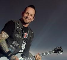 Formanden for Dansk Journalistforbund kalder det en speciel sag, at ni medier i fællesskab droppede Volbeat.