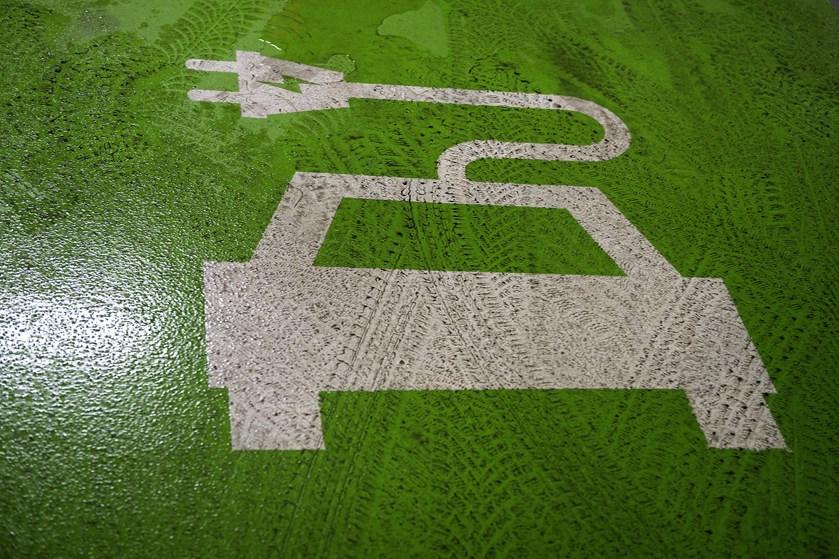 Den nuværende aftale om afgiftsfritagelse af elbiler udløber i 2021. Enhedslisten vil have den forlænget nu.