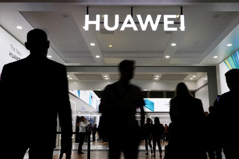 Avis: USA er ikke selv i stand til at rulle 5G ud. Vil støtte nordiske selskaber for at holde Huawei væk.
