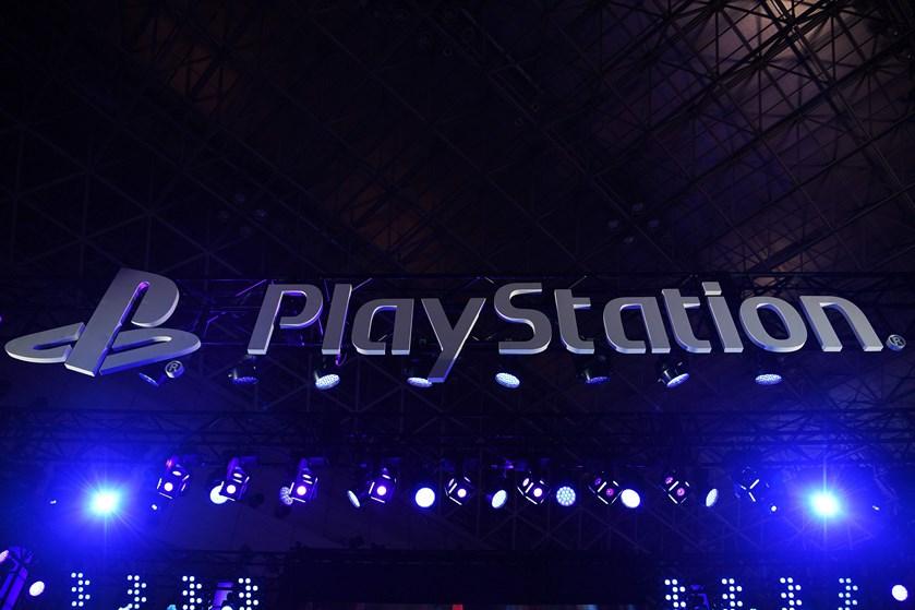 Både Sony og Microsoft kommer til næste år til at lancere deres nyeste generation af spillekonsoller.