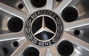 Føderale tyske myndigheder mener, der er problemer med udstødning i ældre biler.