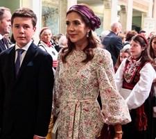 Kronprinsparrets ældste barn fylder 14 år tirsdag. Kongehuset markerer dagen med nye billeder af prinsen.