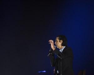På sin forårsturné ser rockmusikeren Nick Cave sit snit til at runde Danmark, hvor han giver to koncerter.