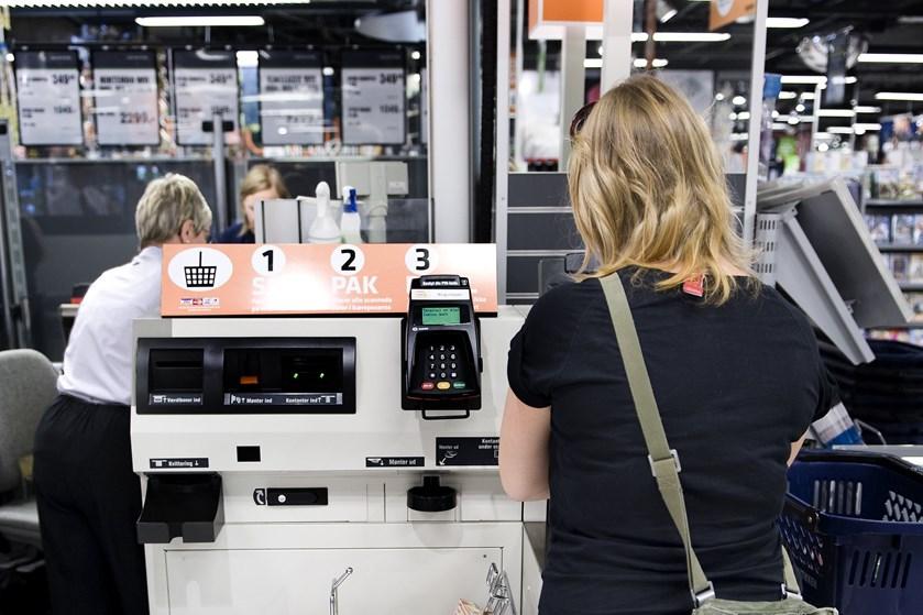 Forbrugertilliden faldt i oktober, da forbrugerne ser mindre positivt på Danmarks økonomiske situation.