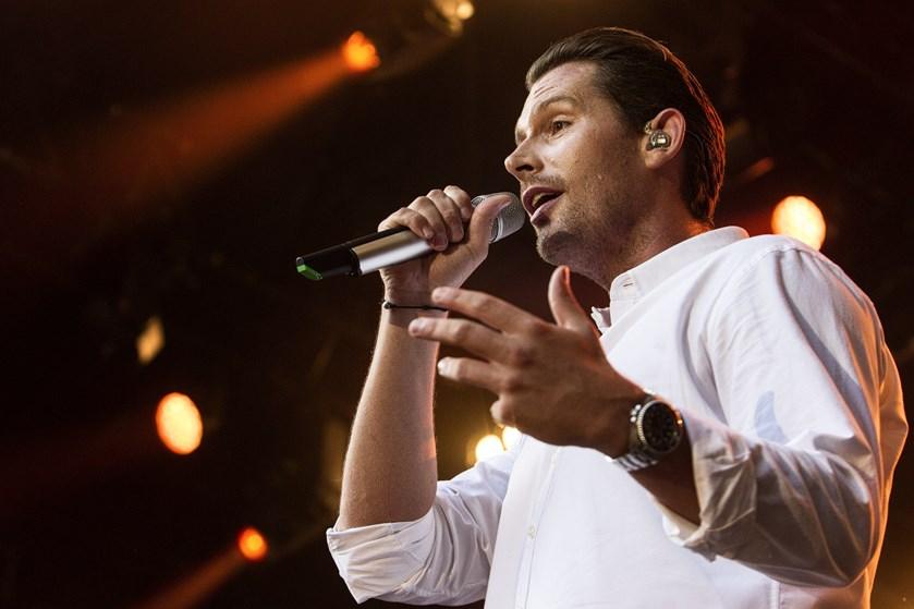 Det er 10 år siden, Rasmus Seebach udkom med sit debutalbum og skabte en sensation i dansk popmusik.