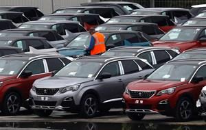 USA vil ikke lægge told på EU's bilindustri. I taler med én, der ved besked, siger EU's kommissionsformand