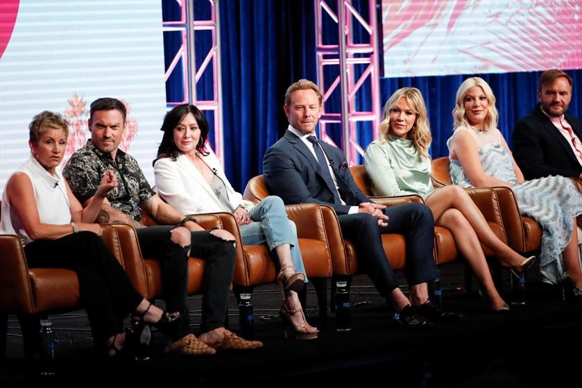 """Det blev kun til et kort gensyn med Brandon, Donna, Kelly og Steve fra den nye """"Beverly Hills 90210""""-serie."""