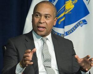 Der kommer stadig mulige kandidater på banen hos demokraterne. En tidligere guvernør overvejer at stille op.