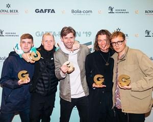 The Minds of 99 er tilbage med en ny single på dansk, efter bandets seneste nummer overraskende var engelsk.