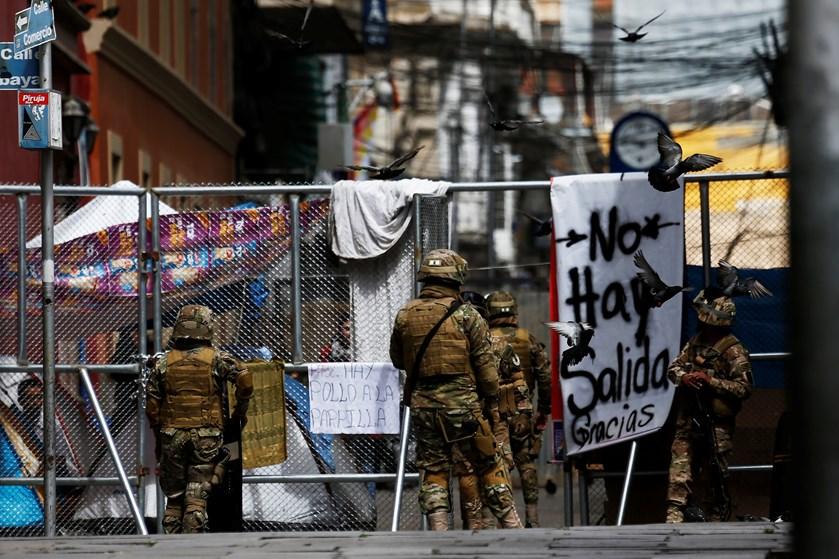 En valgkommission skal på plads i Bolivia, så der kan fastsættes en dato for første valg efter Morales' exit.
