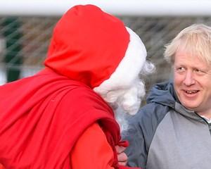 Flere målinger, som er offentliggjort i weekenden, tyder på, at Boris Johnssons forspring skrumper ind.