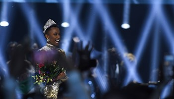 Zozibini Tunzi blev tidligere i år kåret som Miss South Africa. Nu kan hun også kalde sig Miss Universe.