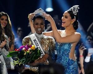 Der findes flere forskellige internationale skønhedskonkurrencer. Læs om dem og forskellene her.