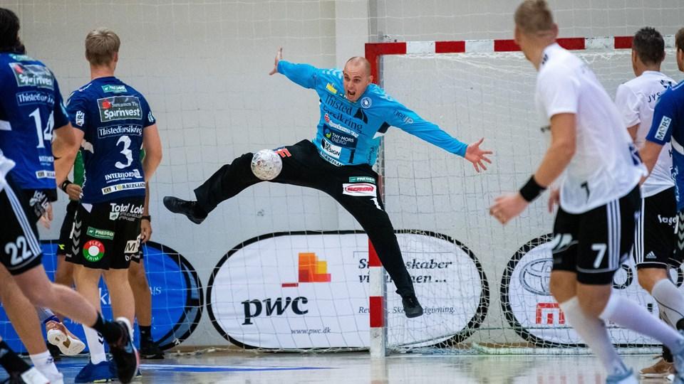 Hverken Søren Pedersen (billedet) eller Nicklas Graugaard fik gang i redningerne, da Mors-Thy tabte og røg ud af Santander Cup. Foto: Diana Holm
