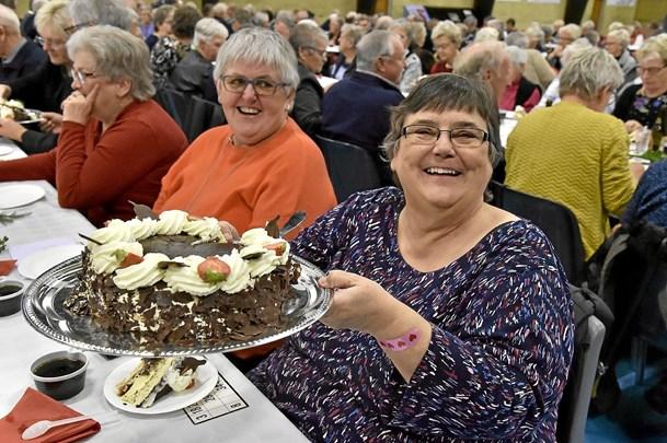 BILLEDreportage: Glade pensionister festede i Hurup