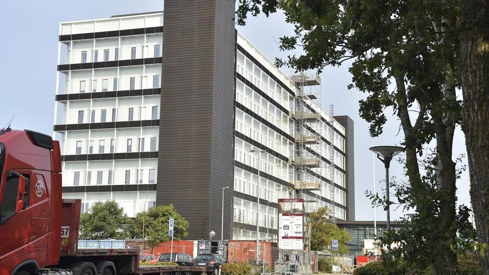 Regionshospitalet har sagt farvel til 100 ansatte på et år, og staben reduceres nu yderligere. Arkivfoto: Bente Poder