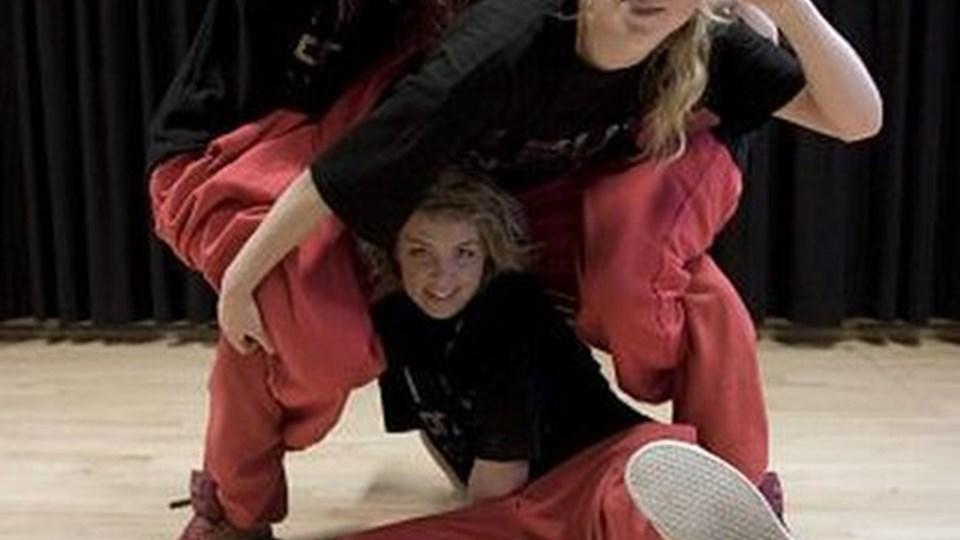 Dansegruppen Snavs er klar i aften i Tversted. Dansegruppen underholder mens dommerne voterer til Ung Jazz 2009. PR-FOTO