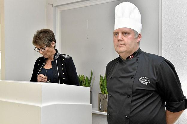 ..Som Gurli kaldte op til talerstolen, og fortalte at han var fremtidens nye forpagter af Hotel Vilsund Strand. Foto: Ole Iversen