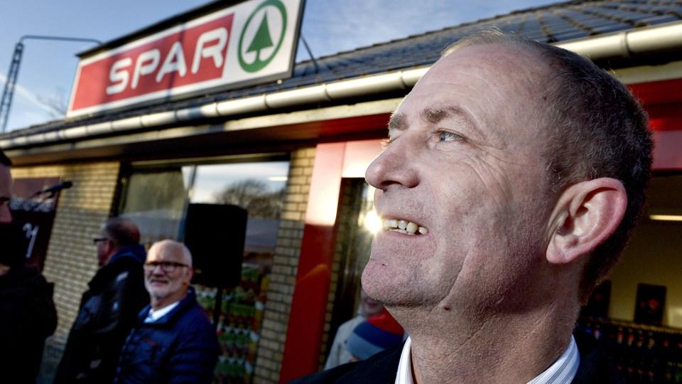 Brønderslev  jan jæger sparkøbmand i øster brønderslev  åbner sin nye spar butik der er    Foto Henrik Louis