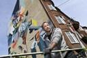 Oliver skaber 20 meter højt vægmaleri i midten af Aalborg: - Det er som Mount Everest for mig