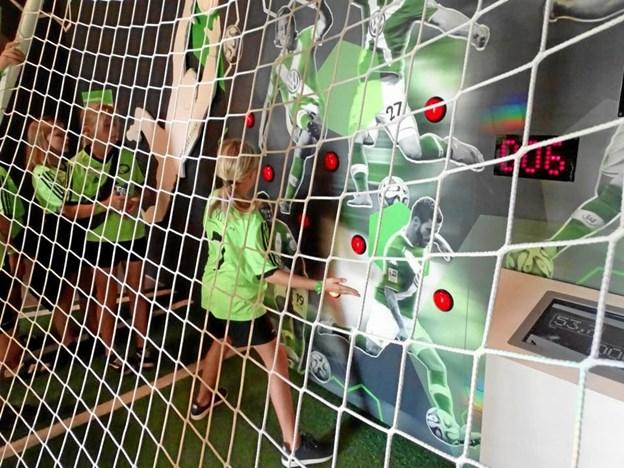 I Fussballwelt blev der mulighed for at prøve mange forskellige færdigheder med en fodbold.Foto: Bent Andersen